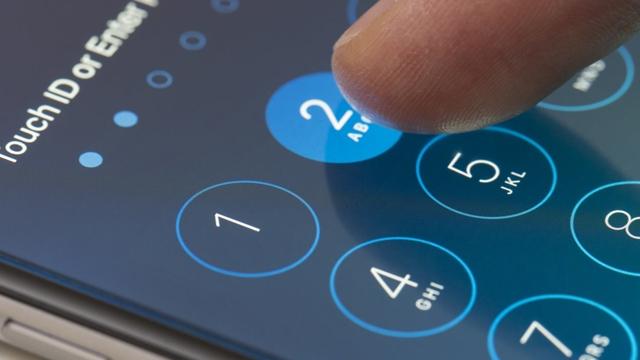 Apple, WikiLeaks'in İşaret Ettiği Güvenlik Açıklarını Kapattığını Söyledi