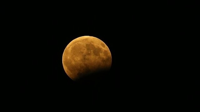 Parçalı Ay Tutulması Dün Gece Türkiye'den de İzlendi