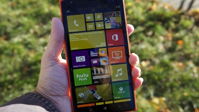 5.7 İnçlik Dev Bir Windows Phone Geliyor