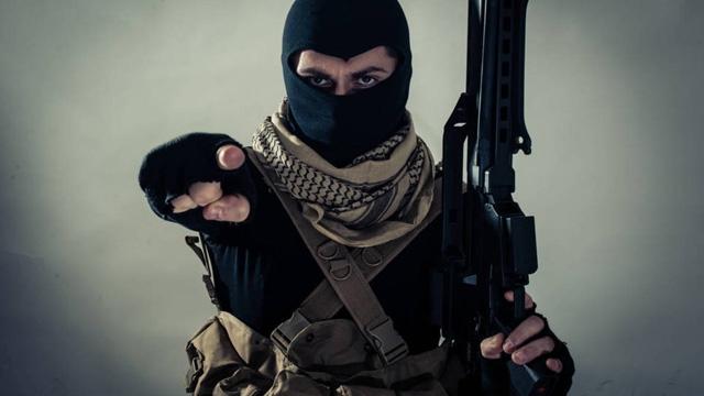 'Çocuğunuzu İnternetle Yalnız Bırakmayın Yoksa Terör Örgütleri Kaçırır'