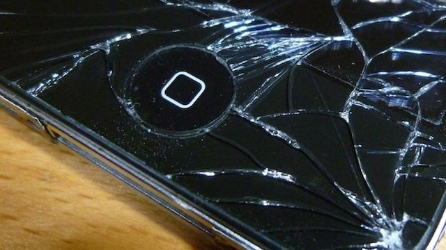 iPhone Telefonunuzun Ekranı Kırılırsa Evden Bile Çıkmadan Tamir Etmek Artık Mümkün