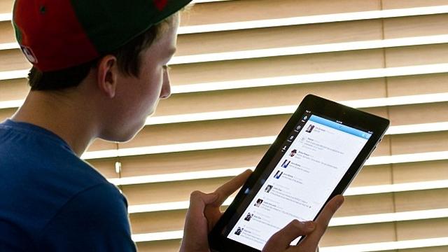 Facebook Genç Kullanıcılarını Kaybetme Tehlikesi Yaşıyor!