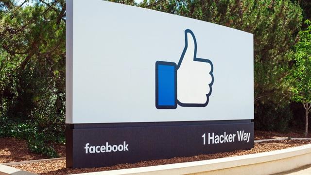 Facebook, Twitter İçin Yeniden Müşteri Olabilir İddiası