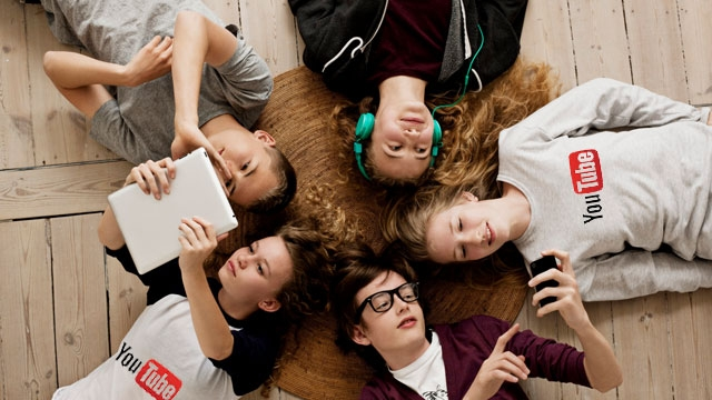 Gençler Sosyal Ağların Kralı Olarak YouTube'u Seçti