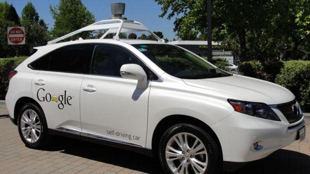 Google'ın Sürücüsüz Arabaları Tam 11 Kazaya Karıştı