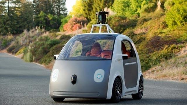 Google'ın Sürücüsüz Arabalarının Hava Yastığı Dışarıda Olacak