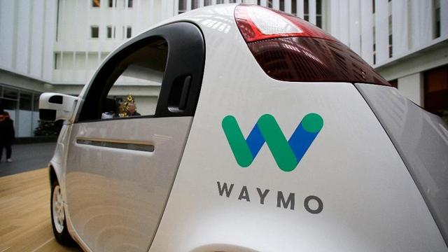 Otonom Araba Mühendislerini Google Çok Şımartmış