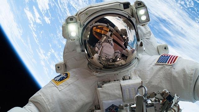 GoPro Uzay Yürüyüşü Filme Alındı, Sonuç: Etkileyici!
