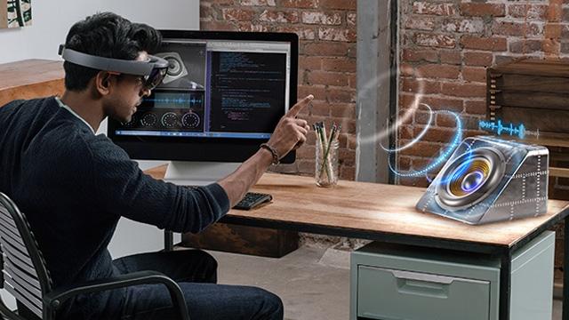 HoloLens Artırılmış Gerçeklik Seti 8 Ülkede Ön Siparişe Açıldı