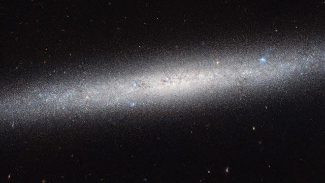Hubble Bir Galaksinin Geniş Açı Fotoğrafını Çekti