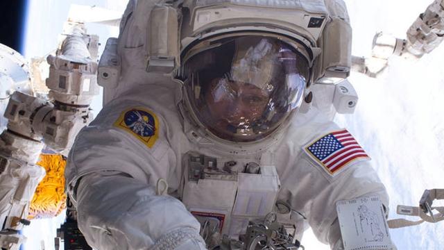 Astronot Peggy Whitson, Dünyaya Rekorlarla Döndü