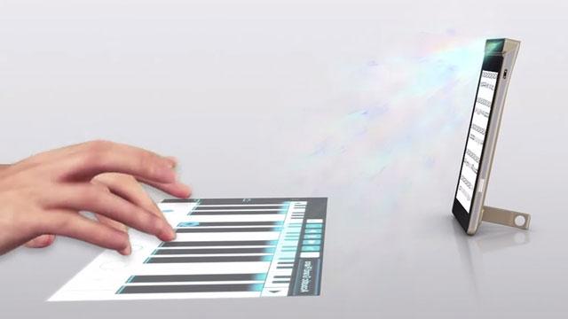 Lenovo'nun Projektörlü Telefonu SmartCast ile Her Yer Telefona Dönüşebiliyor