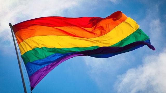 ABD'de Aynı Cinsiyetten Evlilik Yasalaşınca Sosyal Medya Renklendi