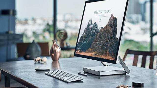 İşte Microsoft Surface Studio ile MacBook Pro Arasındaki Farklar