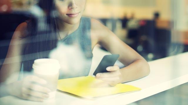 Sene 2015 Oldu Neden Hala SMS Kullanıyoruz?