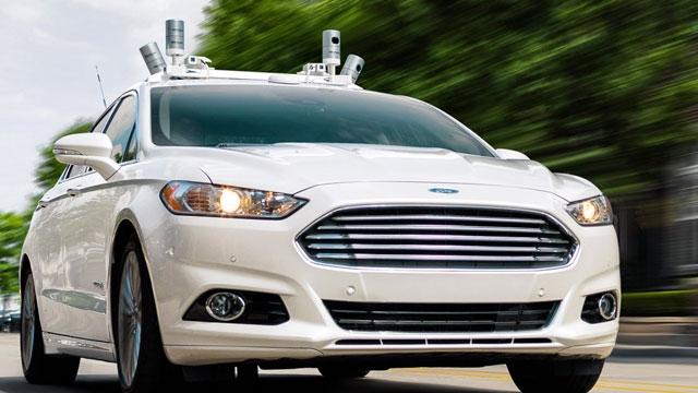 Otomobil Üreticileri Apple ve Google Elektrikli Arabalarına Karşı Birleşiyor