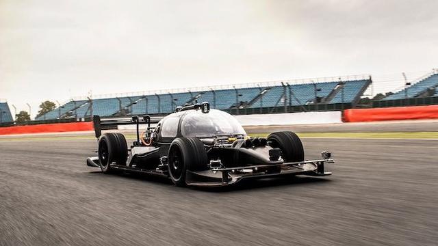 Dünyanın İlk Sürücüsüz Araba Yarışı Hüsranla Sonuçlandı