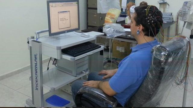 Türkiye'de Beyin Dalgalarıyla Çalışan Sanal Robot Donanımı Geliştirildi