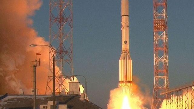 Rus Roketi Milyar Dolarlık Uyduyu Parçaladı