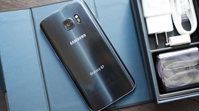 Samsung Yemesin İçmesin Galaxy 7 Serisine Dua Etsin