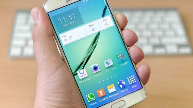 Samsung, Galaxy S6 Plus'ı Yaratıyor İddiası İnternete Bomba Gibi Düştü