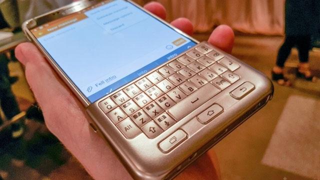 Galaxy Note 5 ve S6 Edge Plus İçin Tasarlanan Klavye Samsung'un Yüzünü Kızarttı