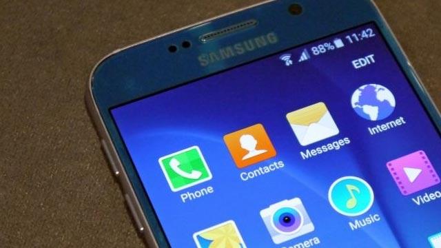 Samsung Galaxy S6'nın Ekranı En İyi Mobil Ekran Seçildi