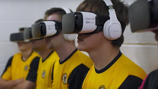 İngiltere'nin En Kötü Futbol Takımı Sanal Gerçeklikle Nasıl Motive Oluyor?