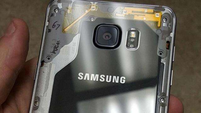 Galaxy Note 5'in Arka Kapağını Şeffaf Kullanmak İster misiniz? İşte Yöntemi