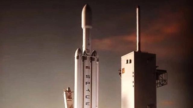 Elon Musk Yeni Bir Falcon X Roketinin Müjdesini Verdi