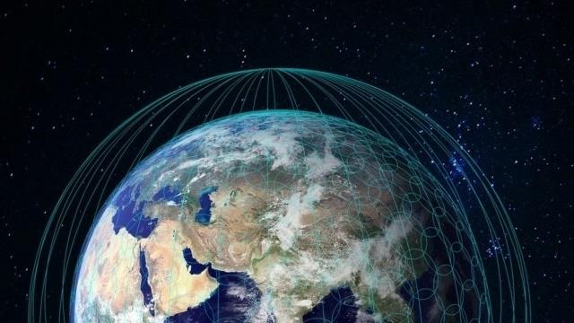 Elon Musk 4 Bin Uyduyla Uzaydan Dünya'ya İnternet Hizmeti Verecek