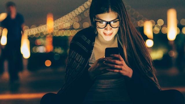 Akıllı Telefonunuza Sürekli Bakmamanız İçin 7 Geçerli Sebep