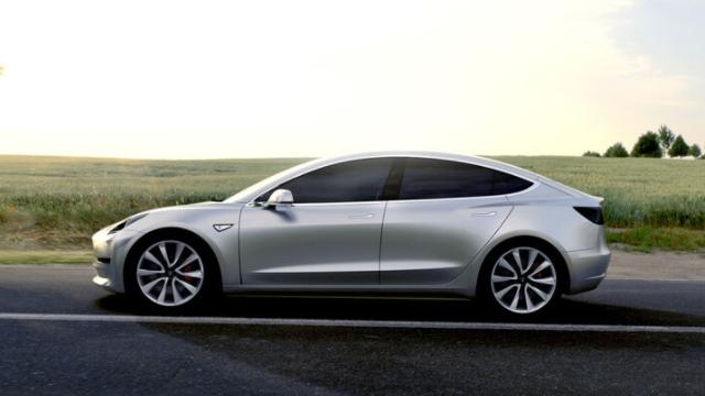 Tesla Model 3 Üretim Bandına Yerleşti