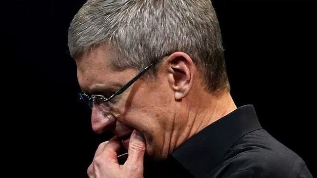 Hedefler Tutmayınca Apple Zararı Tim Cook'un Maaşından Kesiverdi