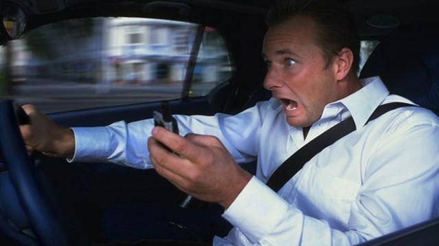 Sürüş Esnasında Mobil Cihaz Kullanırken Yaşanan Kazalarda Atış Var!