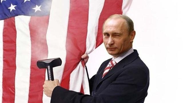 Rusya LinkedIn'i Kapattı, Putin Microsoft ile Savaşını Genişletiyor