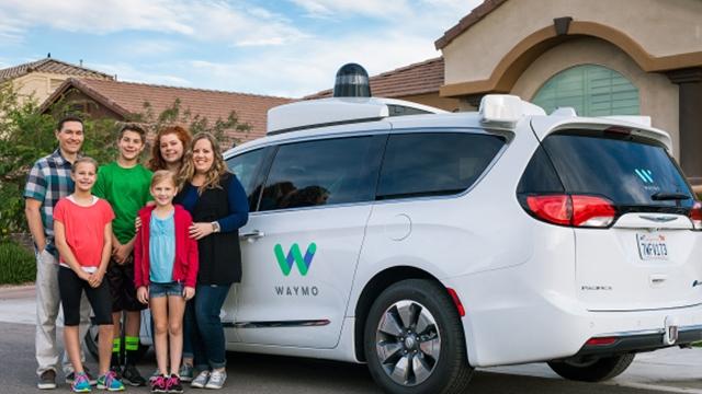 Waymo Sürücüsüz Minivanlarla Yolcu Taşımaya Başlıyor