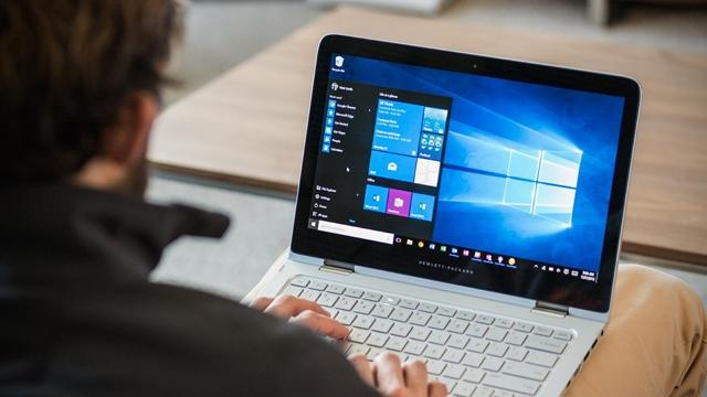 Microsoft, Windows 10 S İşletim Sistemini Tanıttı