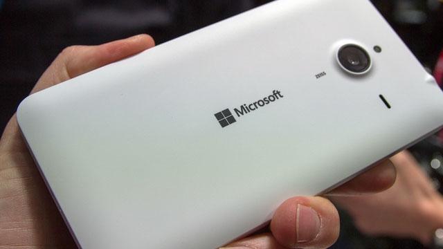 Microsoft Bir İleri, Bir Geri Adım Atıyor, 6 Adet Windows 10 Lumia Geliyor
