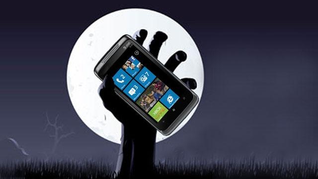 Microsoft, Windows Phone'un Mezarını Kazdı Gibi