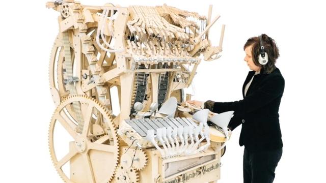 2.000 Bilye ile Müzik Yapan Ahşap Makineye İnanamayacaksınız