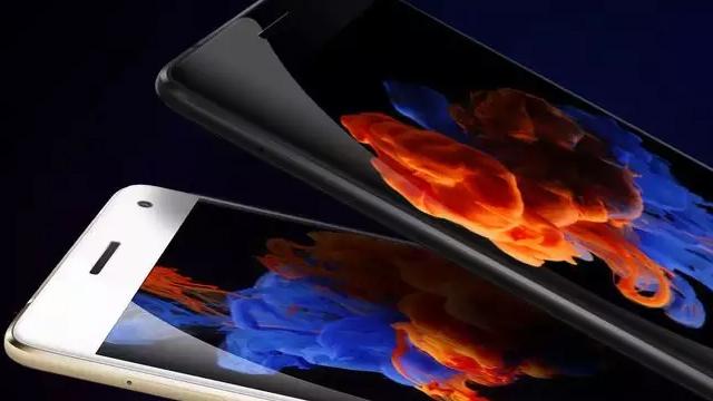 6GB RAM Taşıyan Telefon Kervanına Lenovo Zuk Z2 Pro'da Katıldı