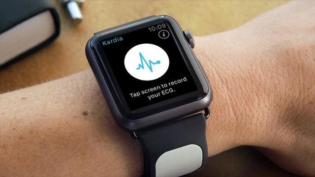 Apple Watch Akıllı Saatler Kalp Krizini Önceden Haber Verecek