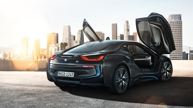 BMW'nin Yeni Elektrikli Spor Arabası Tasarımıyla Göz Kamaştırıyor