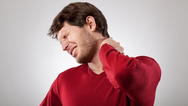Boyun Ağrılarınızın Sebebi Telefonunuz Olabilir