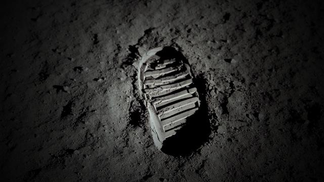 Neil Armstrong'un Ay'dan Getirdiği 'Toz' 4 Milyon Dolara Satılacak