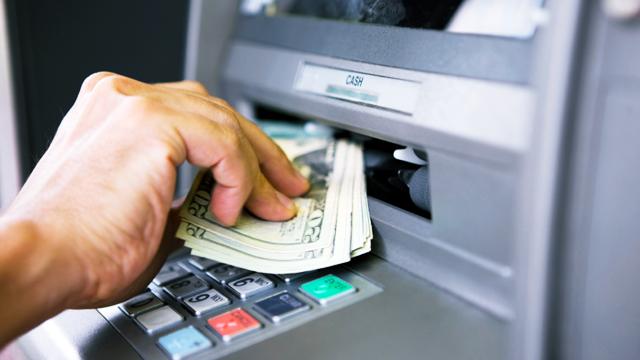 Siber Güvenlik Uzmanı ATM'yi Para Fıskiyesine Çevirdi