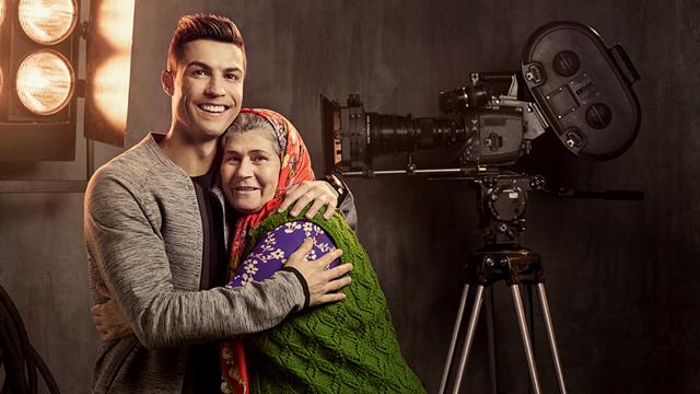Ümmiye Teyze'nin Yönettiği Ronaldo Reklamı Çok Konuşulacak