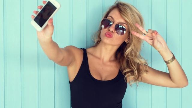 Uzmanlar Açıkladı: Selfie Düşkünleri Kendini Beğenmiş Falan Değil!