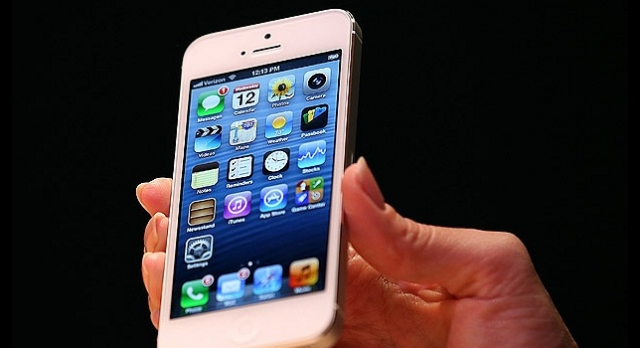 Turkcell iPhone 5'i Satışa Sunacak